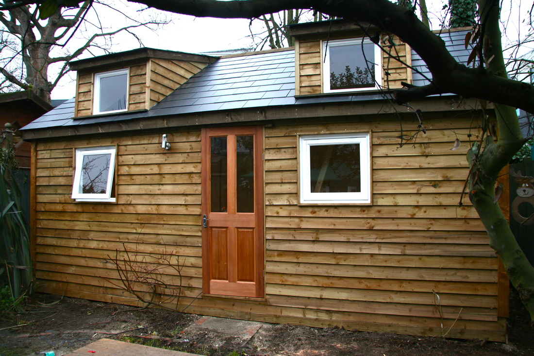 Garden rooms custom made in your surrey berkshire for Timber garden rooms
