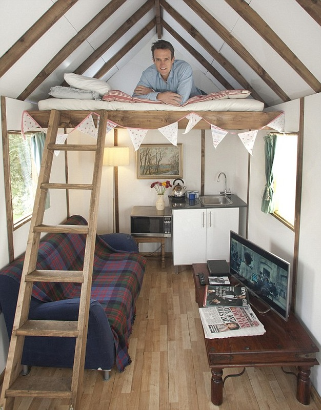 Tiny house 39 s on wheels for sale in the uk custom built for Building a barn to live in