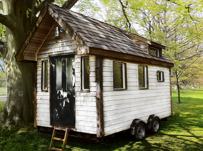 Tiny house 39 s on wheels for sale in the uk custom built for Garden rooms on wheels